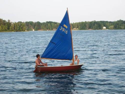 peanut sailboat